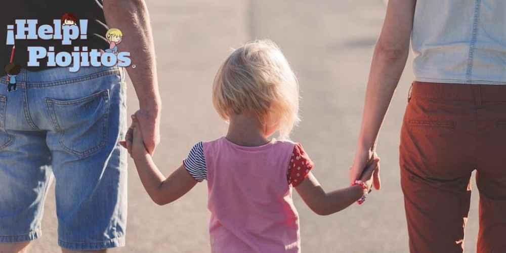 ¿Tiene que tratarse toda la familia cuando hay piojos? ¿Debe ir al cole el pequeño?